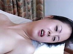 Not easy to find a professional Chinese porn, right? Doctor and nurse.