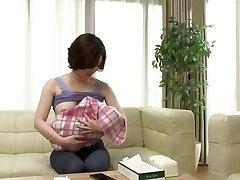 Honjou Yuka - NTRD-047 Do you like a young mom with tit milk ?