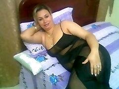 Arab Home Sex - Big Butt Round Ass - Chubby Plumper Mature Bootie