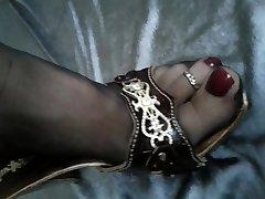 Feet in Nylons shoeplay