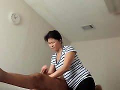 GETTING GREAT HAPPY ENDING AT MASSAGE PARLOR