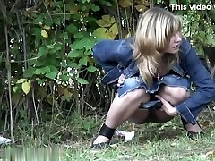 Girls Pissing voyeur video 42