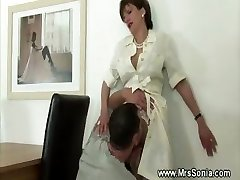 Tonguing ultra-kinky mature pussy