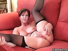 British finest cougar Joy exposes her natural hotty