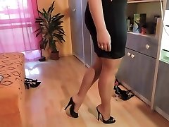 Amateur in nylon pantyhose and high heel footwear