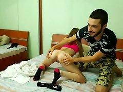 18 yr old girl gets her snatch eaten by her boyfriend