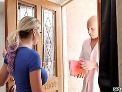 Desperate housewife Kenzie Taylor pokes bald headed stranger after Bf dumped her