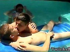 Nude smooth-shaven young boys gay porn de Undietwinks faves Ayden, Kayden and