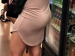 Milf with nice jiggly arse