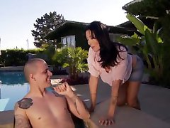 Zoey Holloway Fucks By the Pool