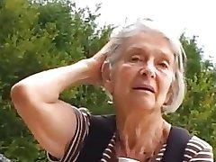 Teaser - Babica v parku