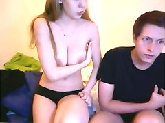 Jeune couple en webcam