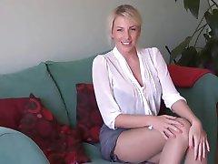 vroča blondinka