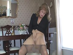 Sammi masturbates v pantyhose 090