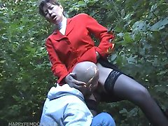 hot pussy suck in public park