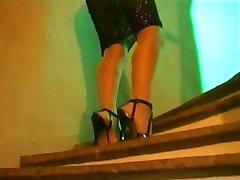 V visokih petah, nogavice