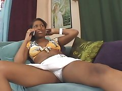 Ebony Cheerleader Tristina Millz Workin' Her Bush