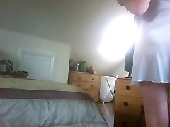 Poskuša na novo nightdress skrita kamera...