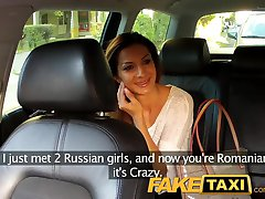 FakeTaxi Hot rumensk jente i baksetet blowjob