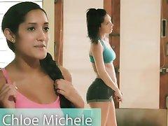Suur rind õpetaja ja kaks brunettes jooga ajal alasti