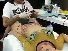 Orgazmus tým, Tetovanie