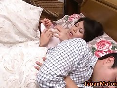 Miki Sato nipponjin küps naine