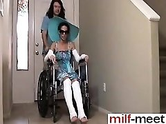 Kåt Son Inte Knullar Inte Mamma i Wheelc - Hon är på MILF-MIG