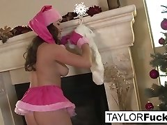 Taylor Vixen in Erotics Christmas Solo With Big-titted Taylor - TaylorVixen