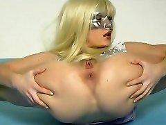 Flexible female faust sich