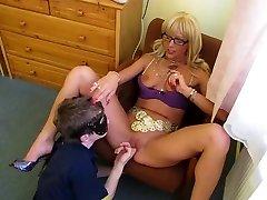 Russian guy lick mistress vagina