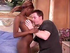 Must Aafrika Babe Saab Nikutud Ameerika Mees