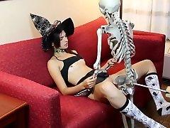 Kristine halloween