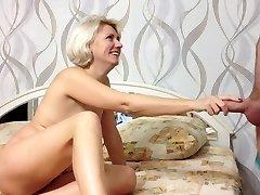 Lepota ruske Amateur Punca Naredi Bj in Prišlo v Usta