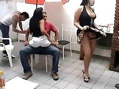 סרייה Carioca לעזאזל מסיבה
