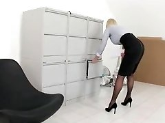 Escort-Secretary, Audition