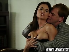 Grubby assistant Franceska Jaimes fucks her boss on his desk - Digital Playground