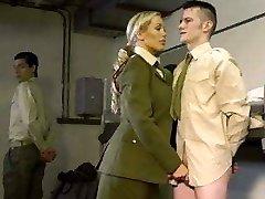 sõjalise naised