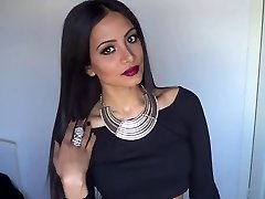 Valentine's Day Stunning Glam Make-up & Outfit