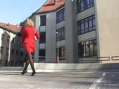German MILF into it