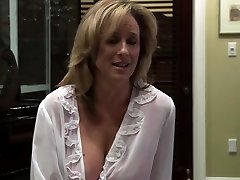 Lesbian cougar fucked by her stepdaughter