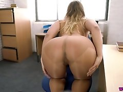 Naughty secretary Beth is wanking her yummy pussy in the office