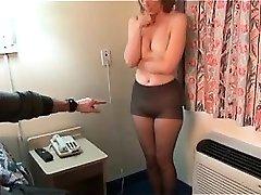 varjatud kaamerate seksikas brunettes