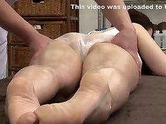 Amazing Japanese girl in Kinky Massage, MILF JAV clip