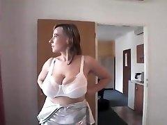 Yummy saggy tits