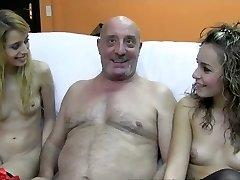 El Dioni con dos tias