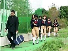 scoala de fund fete (cenzurat)