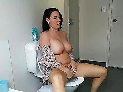 joc cu pasarica mea pe toaleta