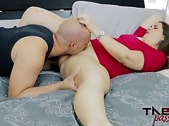 Madisin Lee in Mommy's Smelly Pussy