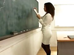 1455 Teacher's Nasty Mega-bitch X-Class
