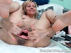 Mature fisting anal and coochie